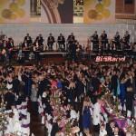 Tanzende Besucher im Ballsaal 2013