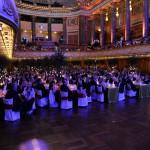 Gefüllter Ballsaal beim Ball des Weines 2014