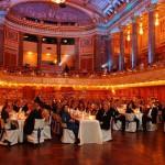 Der gefüllte Ballsaal beim Ball des Weines 2012