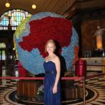 Moderatorin des Ball des Weines 2014 in der Empfangshalle des Wiesbadener Kurhauses