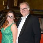 Gäste des Ball des Weines 2014 in der Empfangshalle des Wiesbadener Kurhauses