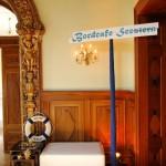 Stimmungsvolle Sitzmöglichkeiten beim Ball des Weines 2012